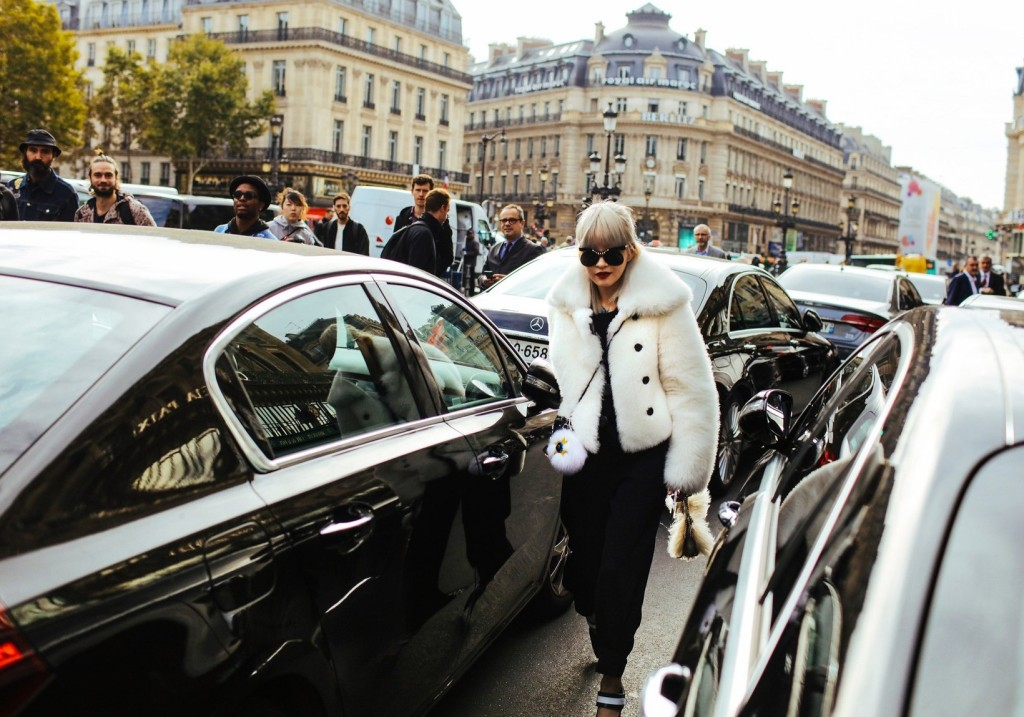 phil-oh-pfw-spring-2016-day-7-street-style-06