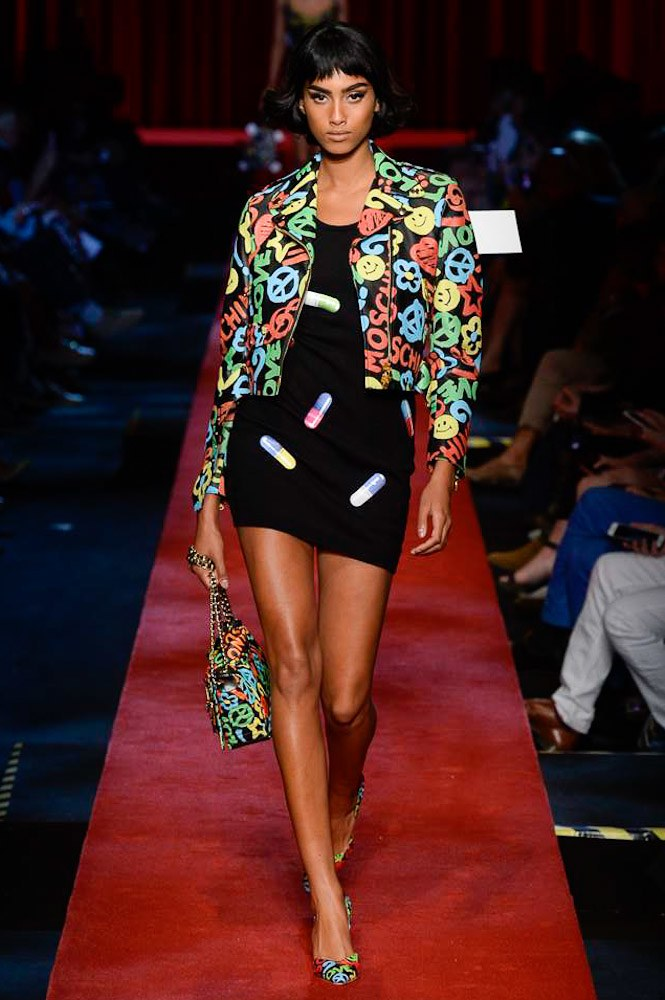 27-fashion-pr-moschino-spring-2017-ready-to-wear-collection-for-milan-fashion-week