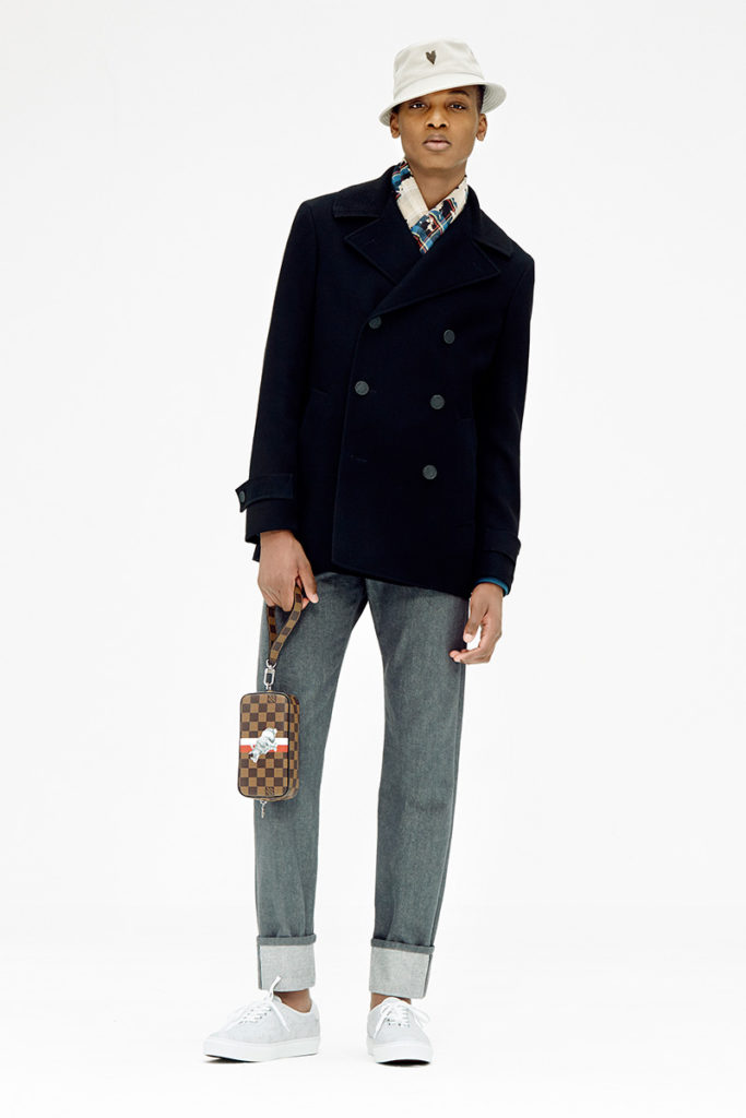 louis-vuitton-unveiled-the-lookbook-for-its-pre-spring-2017-collection-01