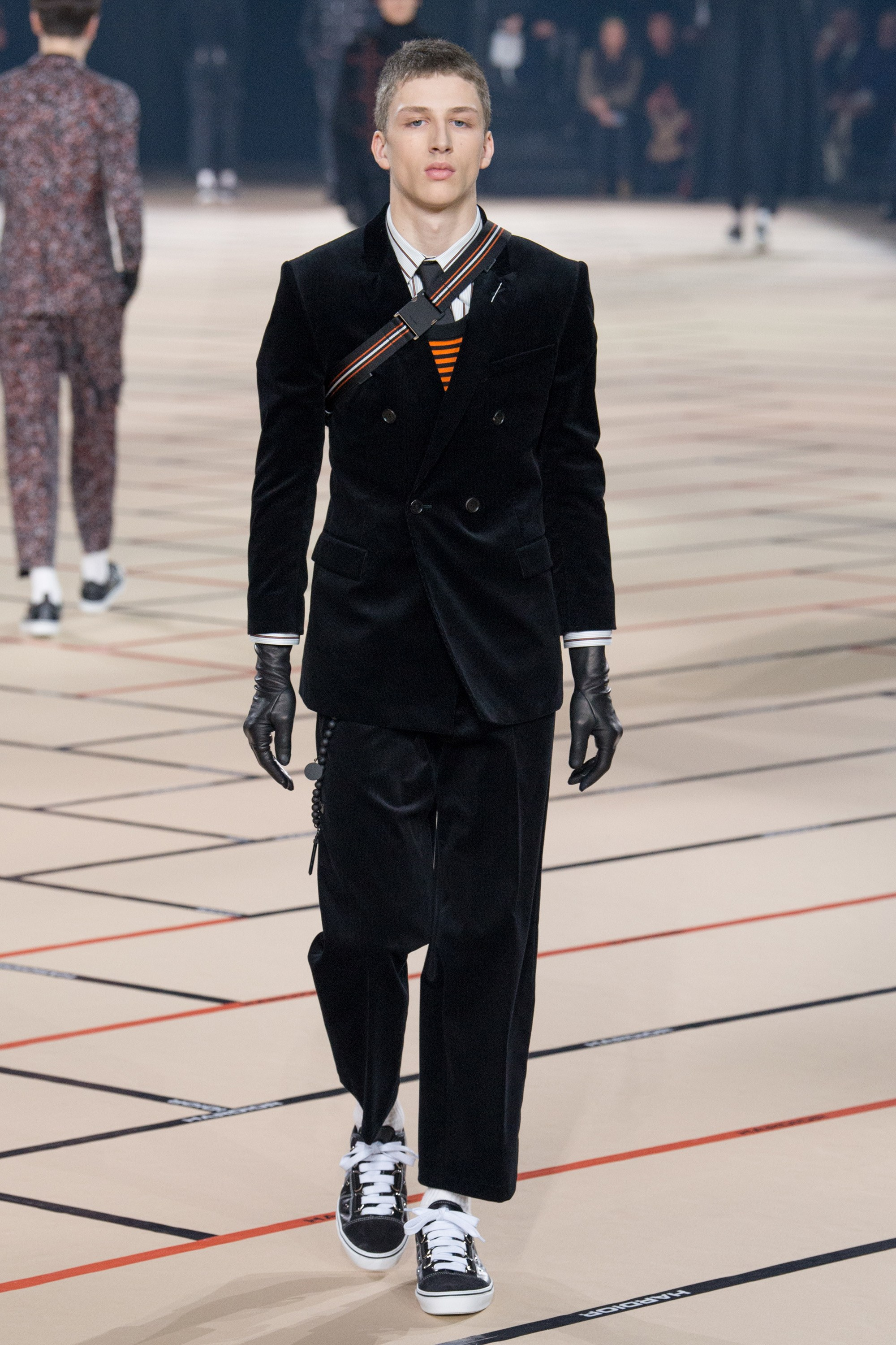 Homme dior fall runway forecasting to wear in winter in 2019